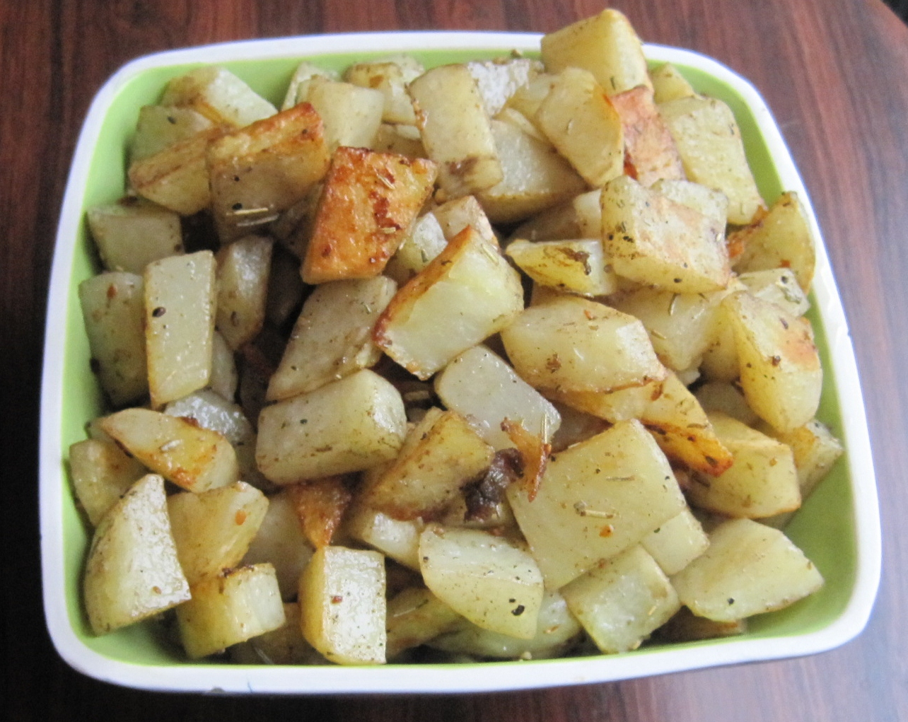 Rosemary and Thyme Roasted Potatoes - Juggling with Julia — Juggling ...